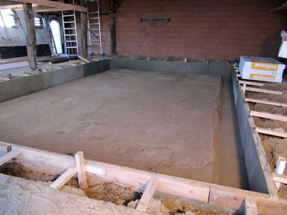12 m3 betonvloer! (2/6)