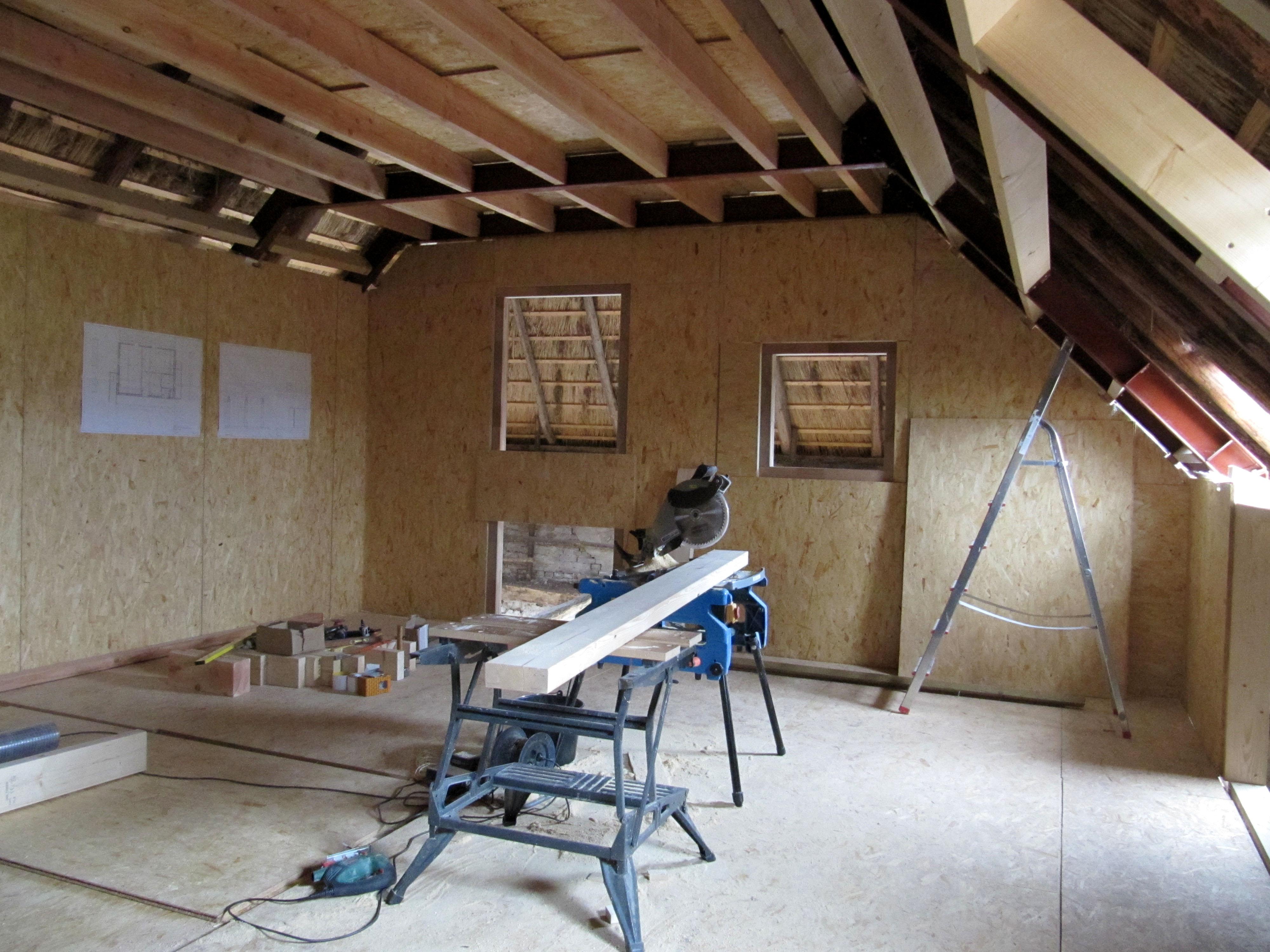 Wand Maken Met Hout : Daarna kunnen we door op zolder… Eerst wat ...